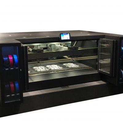 Groot volume printer met filament containers